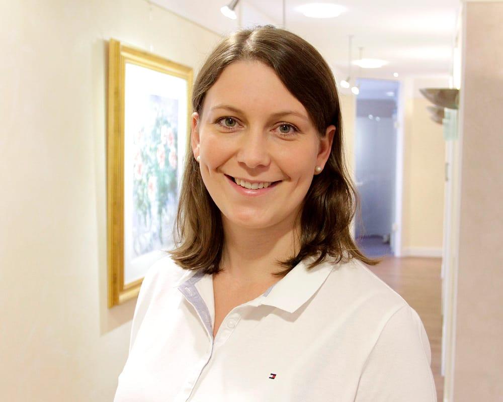Pia Schröder, Zahnärztin